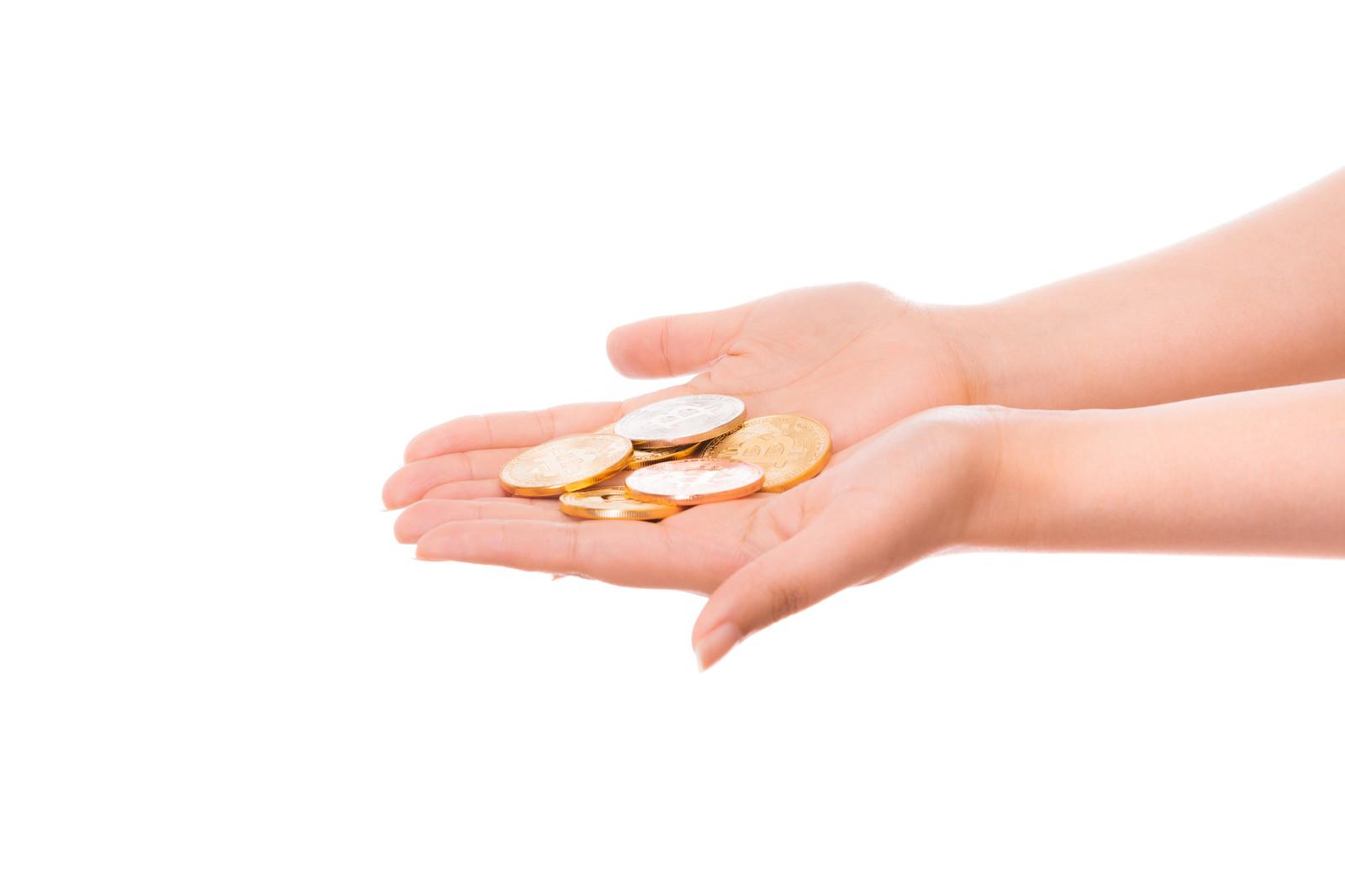 収入が安定している保証人を立てる